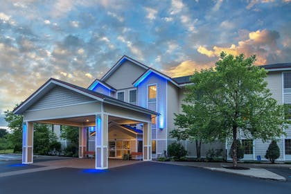 Featured Image | Holiday Inn Express Hotel & Suites Brattleboro