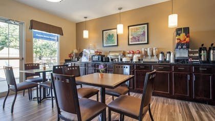Restaurant | Best Western Governors Inn & Suites