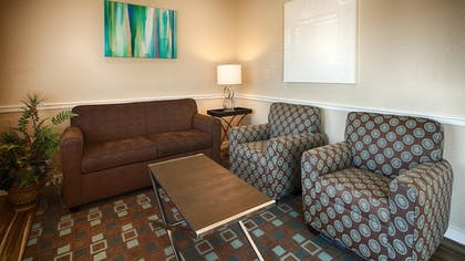 Lobby | Best Western Governors Inn & Suites