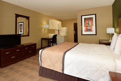 Guestroom | Extended Stay America Bloomington - Normal