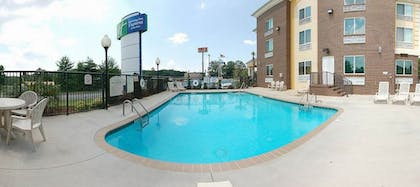 Pool   Holiday Inn Express Hotel & Suites Anderson-I-85