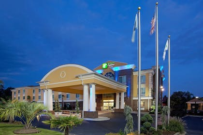 Featured Image   Holiday Inn Express Hotel & Suites Anderson-I-85