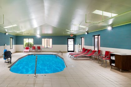 Pool | Holiday Inn Express Hillsville