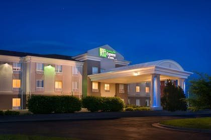 Featured Image | Holiday Inn Express & Suites Lawrence