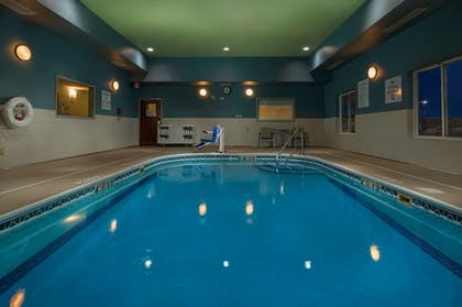 Pool | Holiday Inn Express & Suites Lawrence