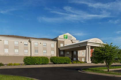 Exterior | Holiday Inn Express & Suites Lawrence