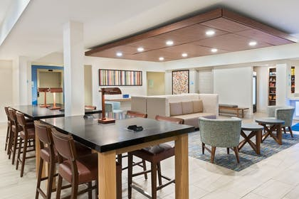 Restaurant | Holiday Inn Express & Suites Columbus Airport East
