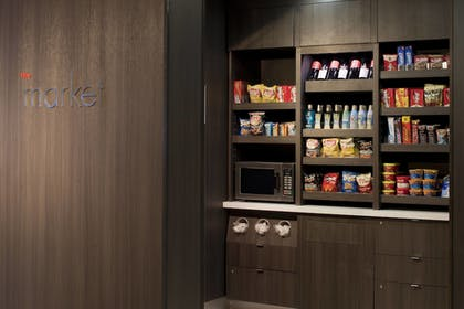 Snack Bar | Courtyard by Marriott Miami Beach-South Beach