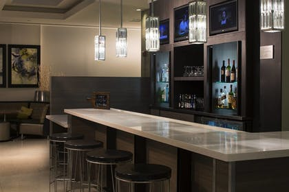 Hotel Bar | Courtyard by Marriott Miami Beach-South Beach