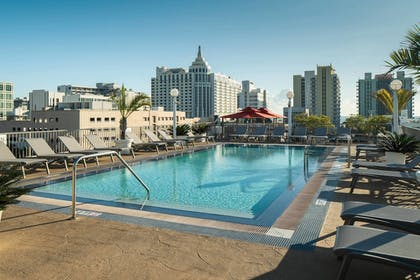 Rooftop Pool | Courtyard by Marriott Miami Beach-South Beach
