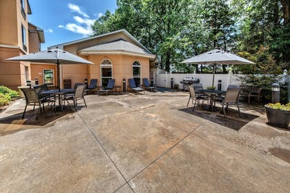 BBQ/Picnic Area | Fairfield Inn & Suites by Marriott Russellville