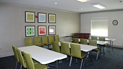 Meeting Facility   Holiday Inn Express & Suites Plainview