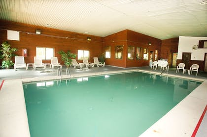 Indoor Pool | Super 8 by Wyndham Van Buren/Ft. Smith Area
