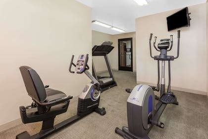 Fitness Facility | Super 8 by Wyndham Imlay City
