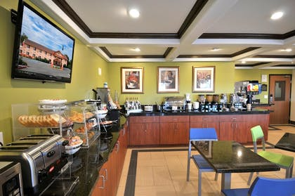 Breakfast Area | Best Western Antelope Inn & Suites