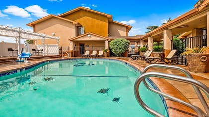 Outdoor Pool | Best Western Antelope Inn & Suites