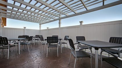 Terrace/Patio | Best Western Antelope Inn & Suites