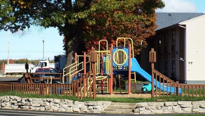 Childrens Play Area - Outdoor | Best Western Lakewinds