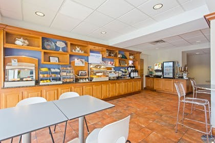 Restaurant | Holiday Inn Express Hotel & Suites Clearwater North-Dunedin