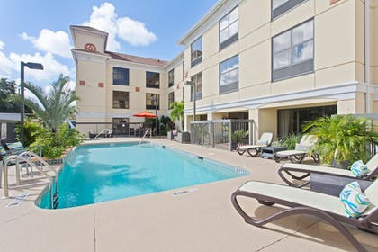 Pool | Holiday Inn Express Hotel & Suites Clearwater North-Dunedin