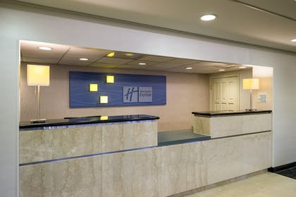 Lobby | Holiday Inn Express Hotel & Suites King of Prussia