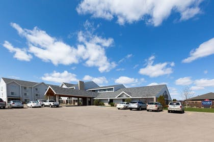 Exterior |  | AmericInn by Wyndham Valley City - Conference Center