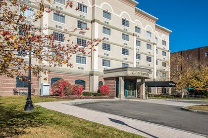 Exterior | Clarion Hotel - Downtown - University Area