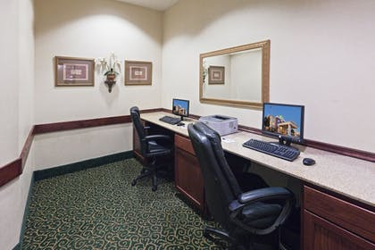 Business Center | Holiday Inn Express And Suites