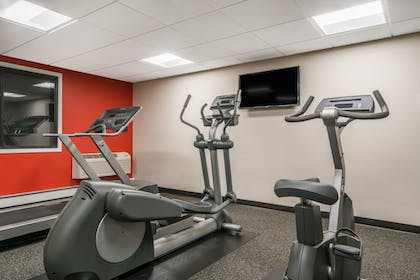 Fitness Facility | Ramada by Wyndham Minneapolis Golden Valley