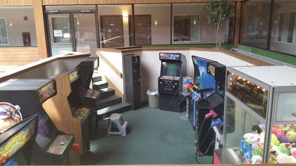 Arcade | Woodfield Inn and Suites