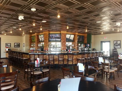 Restaurant | Woodfield Inn and Suites