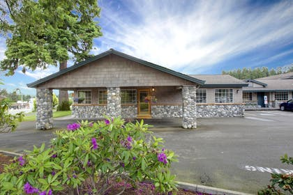 Featured Image | Poulsbo Inn & Suites