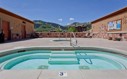 Rooftop Pool | Sundial Lodge by All Seasons Resort Lodging