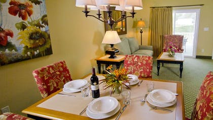 In-Room Dining | The Historic Powhatan Resort by Diamond Resorts