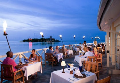 Outdoor Dining | Sandals Royal Caribbean