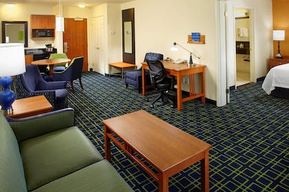 Guestroom | Fairfield Inn & Suites by Marriott Phoenix Midtown