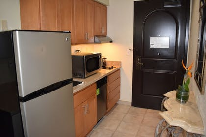 Shared Kitchen Facilities | Carlsbad Suites