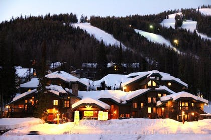 Property Grounds | Kandahar Lodge at Whitefish Mountain Resort