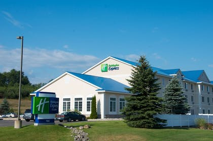 Featured Image   Holiday Inn Express Hotel & Suites Cadillac