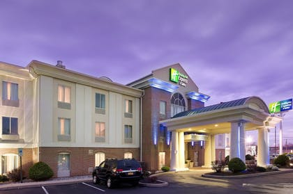 Featured Image | Holiday Inn Express Hotel & Suites Chambersburg