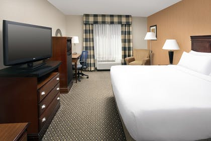 Guestroom | Holiday Inn Express Hotel & Suites Chambersburg
