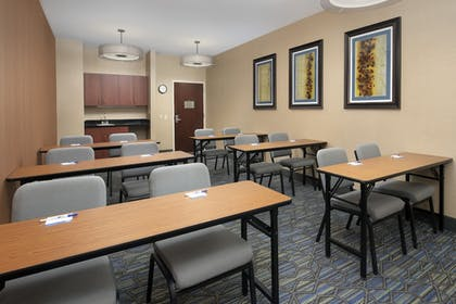 Meeting Facility | Holiday Inn Express Hotel & Suites Chambersburg