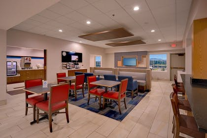 Restaurant | Holiday Inn Express and Suites Pigeon Forge Sevierville