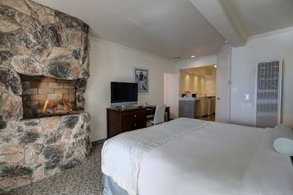 Guestroom | Capri Laguna on the Beach