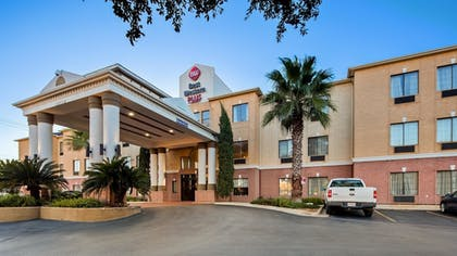 Exterior | Best Western Plus Hill Country Suites