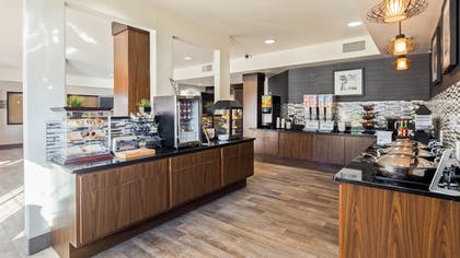 Breakfast Area | Best Western Plus Hill Country Suites