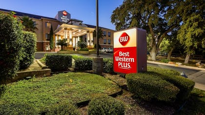 Featured Image | Best Western Plus Hill Country Suites