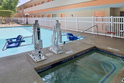 Outdoor Pool | Best Western Irving Inn & Suites at DFW Airport