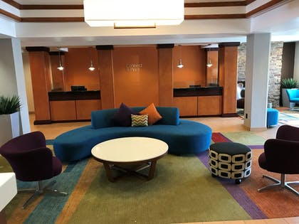 Lobby Sitting Area | Fairfield Inn and Suites by Marriott Des Moines Ankeny