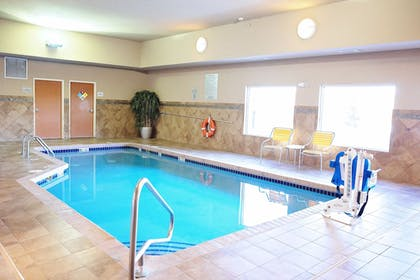 Pool | Fairfield Inn and Suites by Marriott Des Moines Ankeny